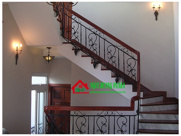 Làm cầu thang sắt tại quận 2 tphcm giá rẻ